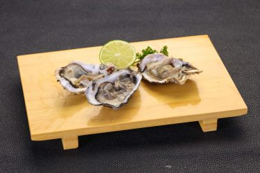 愛する僕が紹介!殻付き牡蠣の剥き方など下処理の方法と美味しい食べ方
